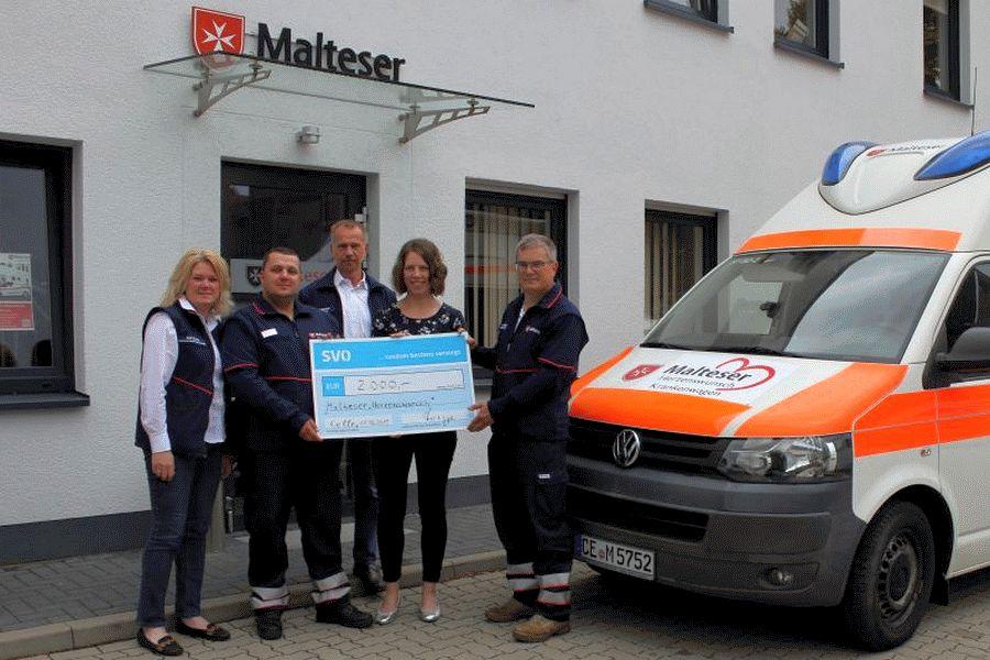 SVO-Mitarbeiter spenden 2.000 Euro an Malteser-Herzenswunsch-Projekt