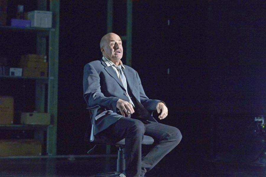 """Schlosstheater Celle verabschiedet Jürgen Kaczmarek – Letzte Vorstellung in Glanzrolle: """"Tod eines Handlungsreisenden"""""""