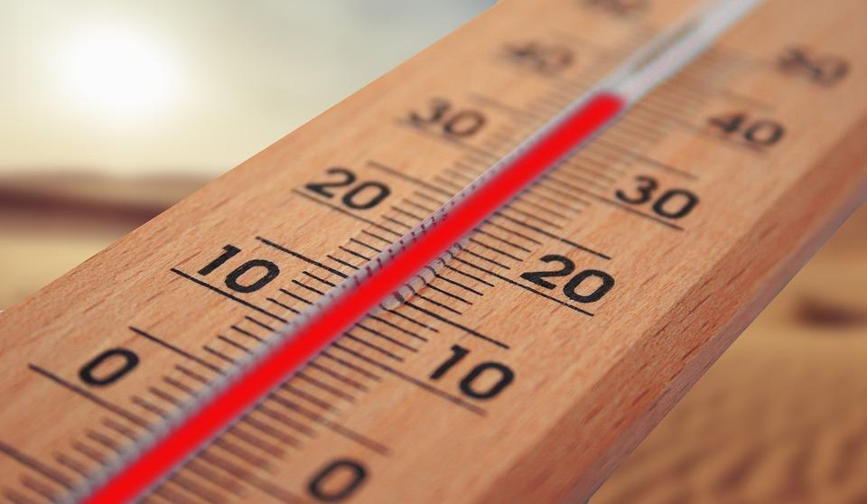 Tipps für tropische Temperaturen – BARMER schaltet Hitze-Hotline