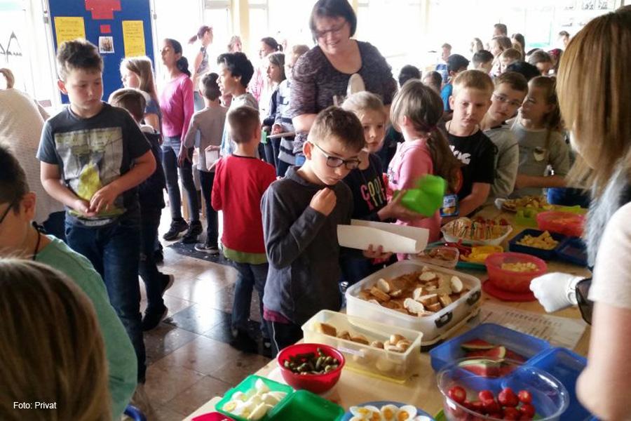 Wählen, rechnen, genießen – ganzheitliches Lernen beim Schulfrühstück