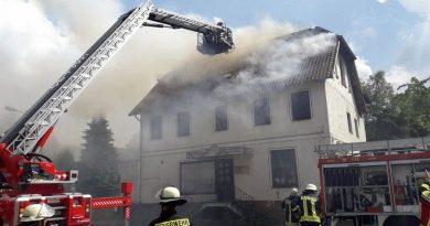 Wohnhausbrand mit einem Todesopfer und einem Schwerverletzten