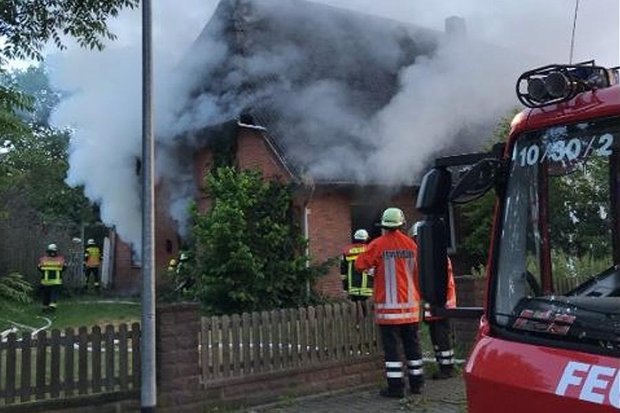 Wohnungsbrand in Altencelle – Eine verletzte Person