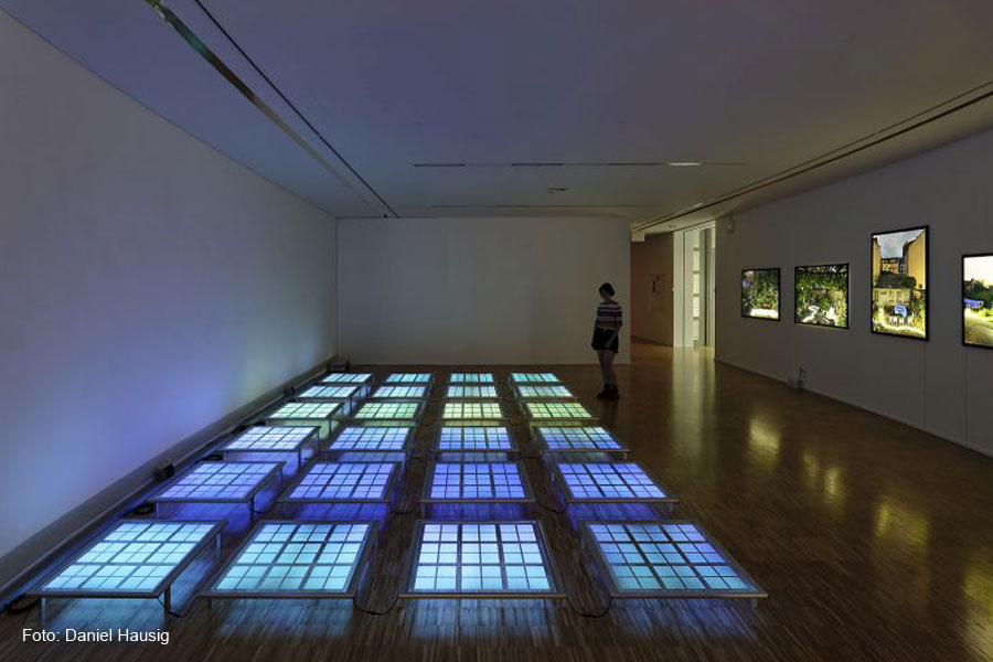 """Erfrischende Lichterfahrung – Sonntagsführung durch die Ausstellung """"dynamic light"""" im Kunstmuseum Celle"""