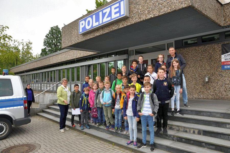 Ferienpass-Aktion für Stadtkinder bei der Polizeiinspektion Celle