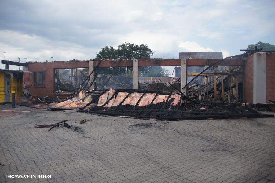 Nach dem Brand bei ALDI: Da ist nichts mehr zu gebrauchen