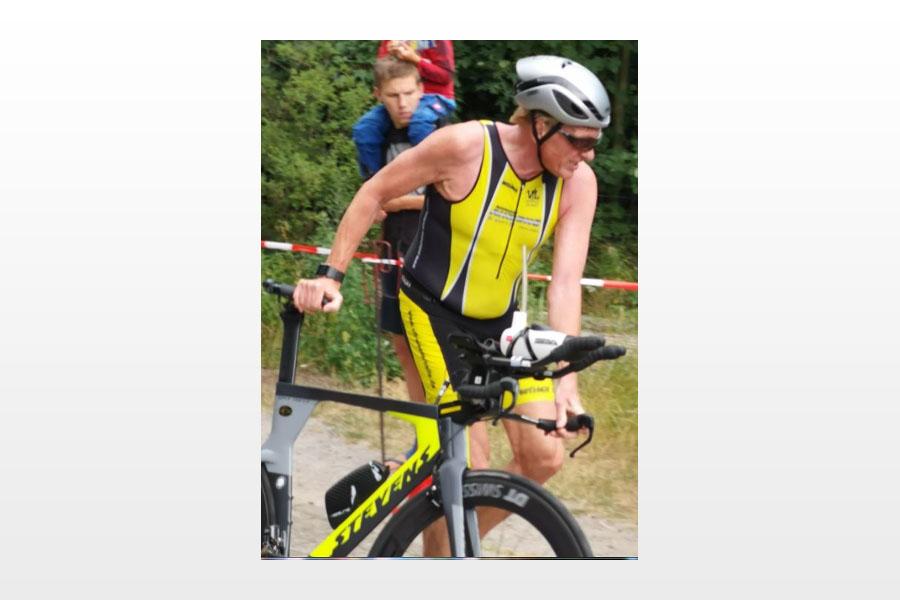 Gerald Sommer sprintet bei Triathlon-Landesmeisterschaft auf Platz 5 ins Ziel