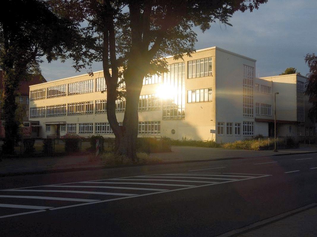 SPD im Ortsrat Neuenhäusen setzt sich für den Erhalt der Altstädter Schule ein