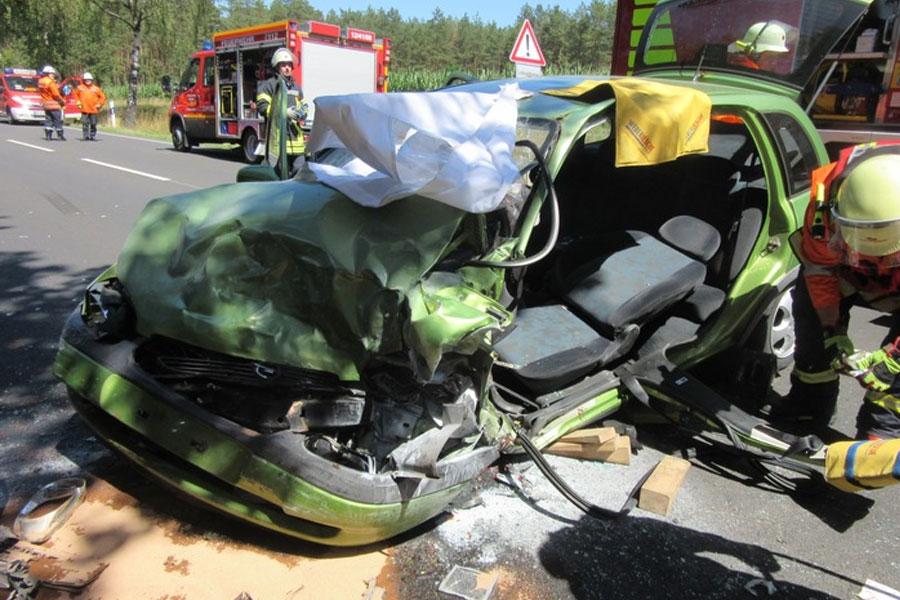 Zwei Verkehrsunfälle auf der B3 fordern vier Verletzte