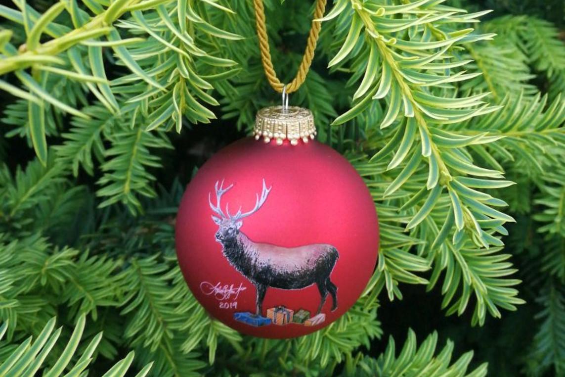 Jetzt schon an Weihnachten denken! – LC Celle Residenzstadt editiert erneut eine künstlerische Weihnachtskugel