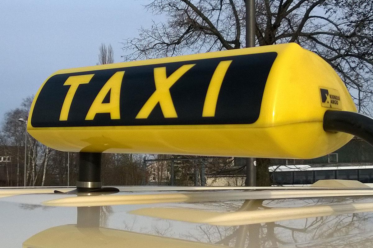 Dienstag, 5. November: Taxistellplätze am Bahnhof für einen Tag verlegt