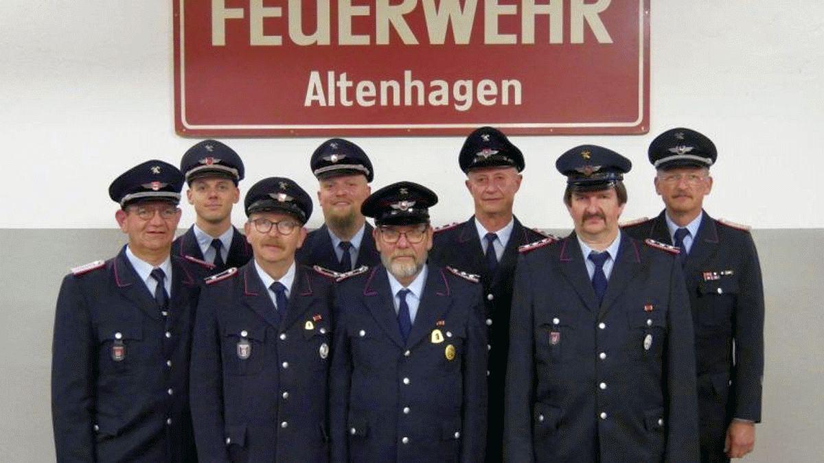 Ehrungen für langjährige Mitgliedschaften bei der Freiwilligen Feuerwehr Altenhagen -Finnische Feuerwehrleute zu Gast in Altenhagen