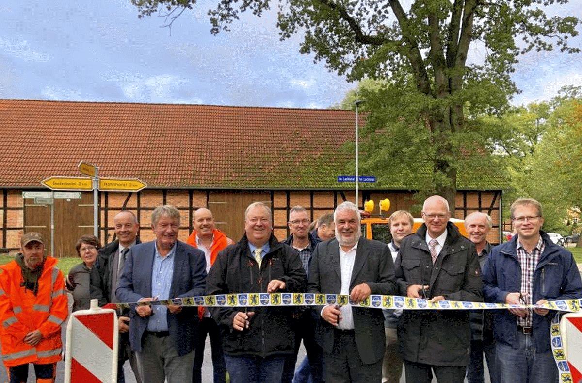 Einweihung der Ortsdurchfahrt Jarnsen – Barrierefreie Bushaltestellen und eine neue Ortsentwässerung ebenfalls fertiggestellt