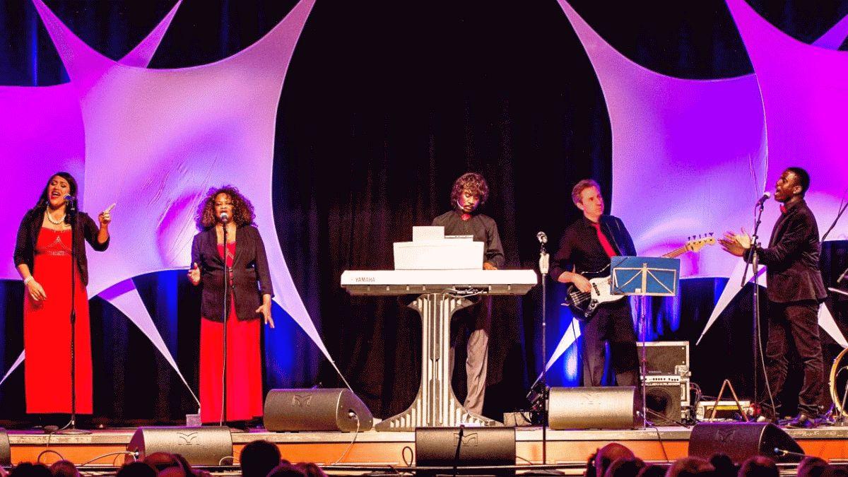 THE POWER OF GOSPEL mit Mitgliedern der Jackson Singers
