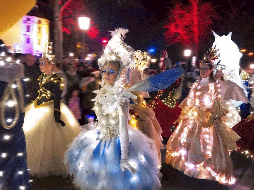 Advents-Highlight in Celle: Fantasievolle Lichterparade taucht Fachwerkstadt in weihnachtlichen Glanz