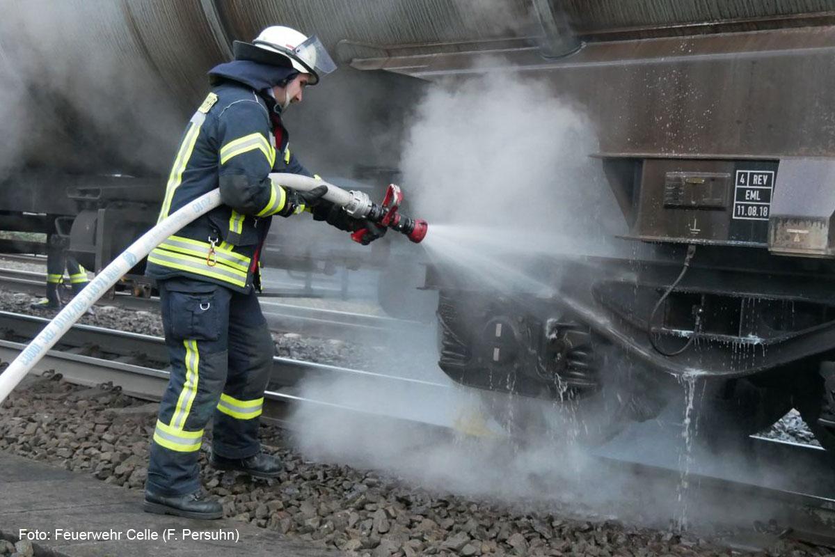 Bremsen eines Kesselwaggons mit Gefahrgut heiß gelaufen