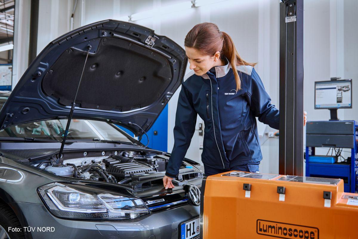 Erfreulich viele Autos ohne Mängel bei der TÜV-Hauptuntersuchung