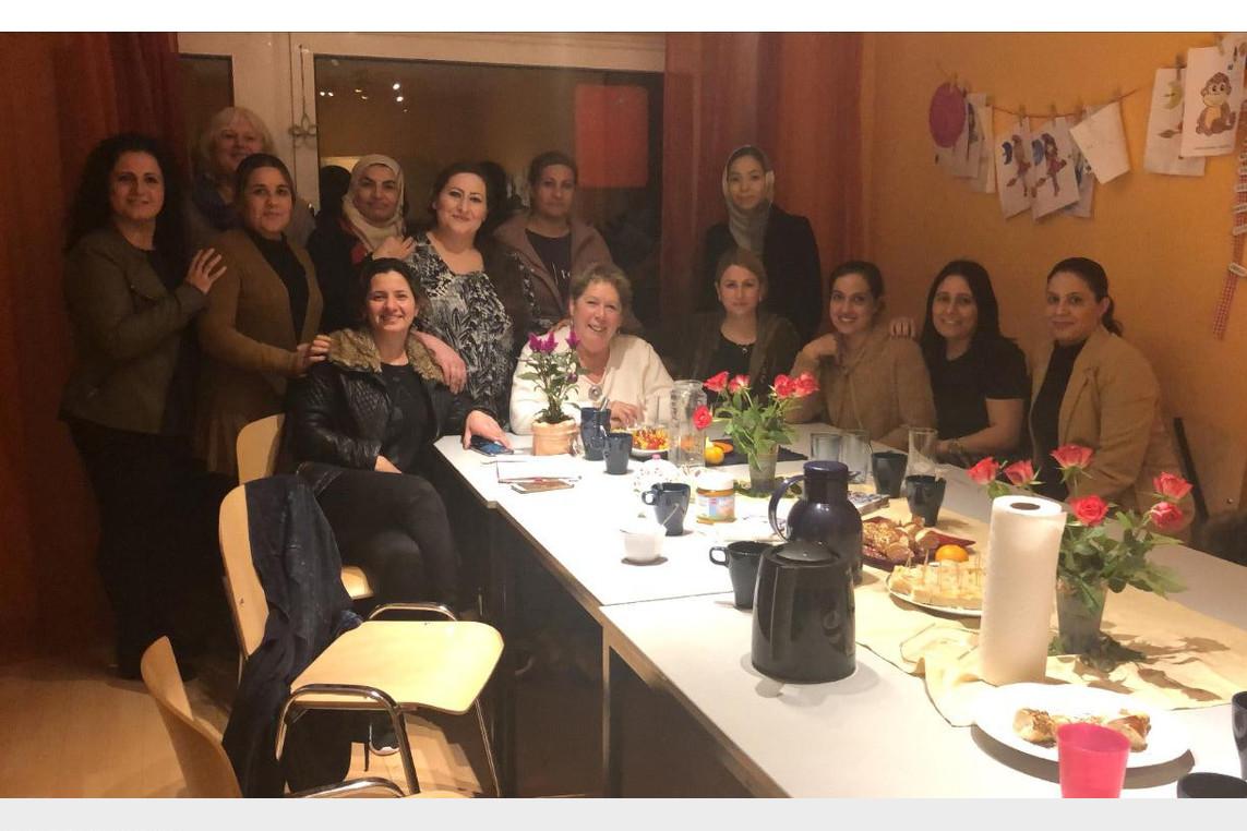 Frauen aus dem Nordfeld sprechen mit Frauen aus dem Nordfeld sprechen mit Iris Fiß