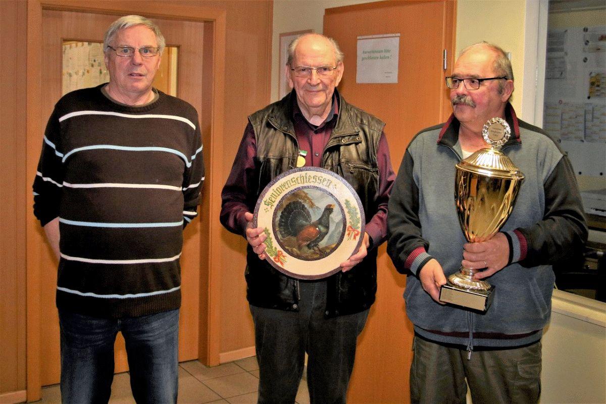 Heinemann Gahlau ist neuer Seniorenbester der Altenhägener Schützen