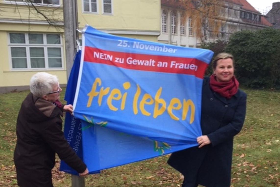 """Landkreis Celle zeigt Flagge """"Nein zu Gewalt gegen Frauen""""- Aktionstag 25. November"""