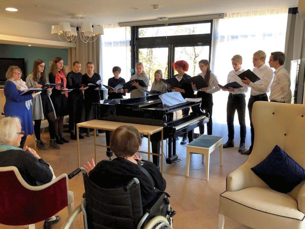 Musikalische Begegnung – Schüler der Ernestinum-Chöre zu Gast in Meudon