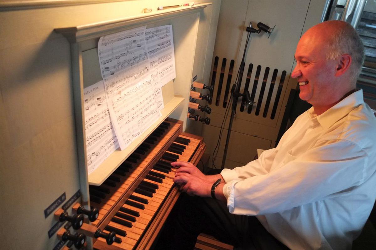 Stiftungsvortrag Neuenhäusen mit Ekkehard Popp – Kirchenlieder im Unterricht einer staatlichen Schule – ein Bericht aus der Praxis