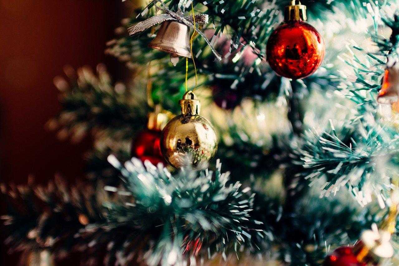 Bitte lasst Euch nicht verführen: Wer Weihnachten im Schuhkarton unterstützt, unterstützt Donald Trump