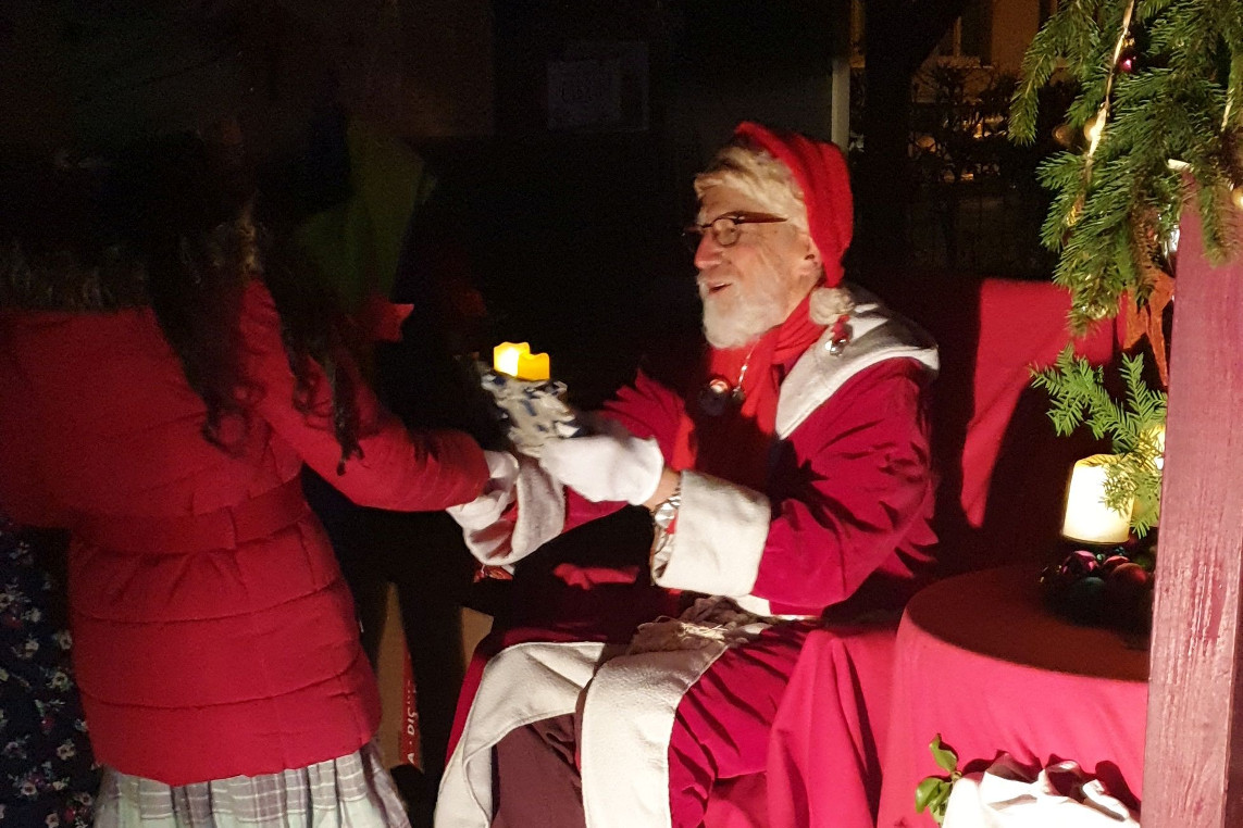 Alle Jahre wieder: Der Nikolaus zu Besuch in Neustadt-Heese