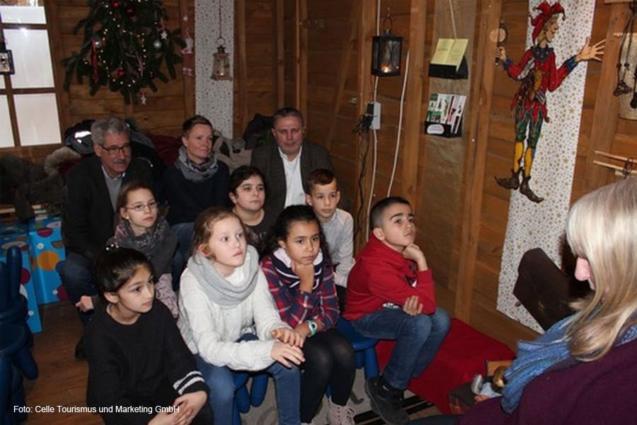 Bisher 6.000 Kinder dank Bürgerstiftung zu Weihnachten mit Märchen und Geschichten erfreut