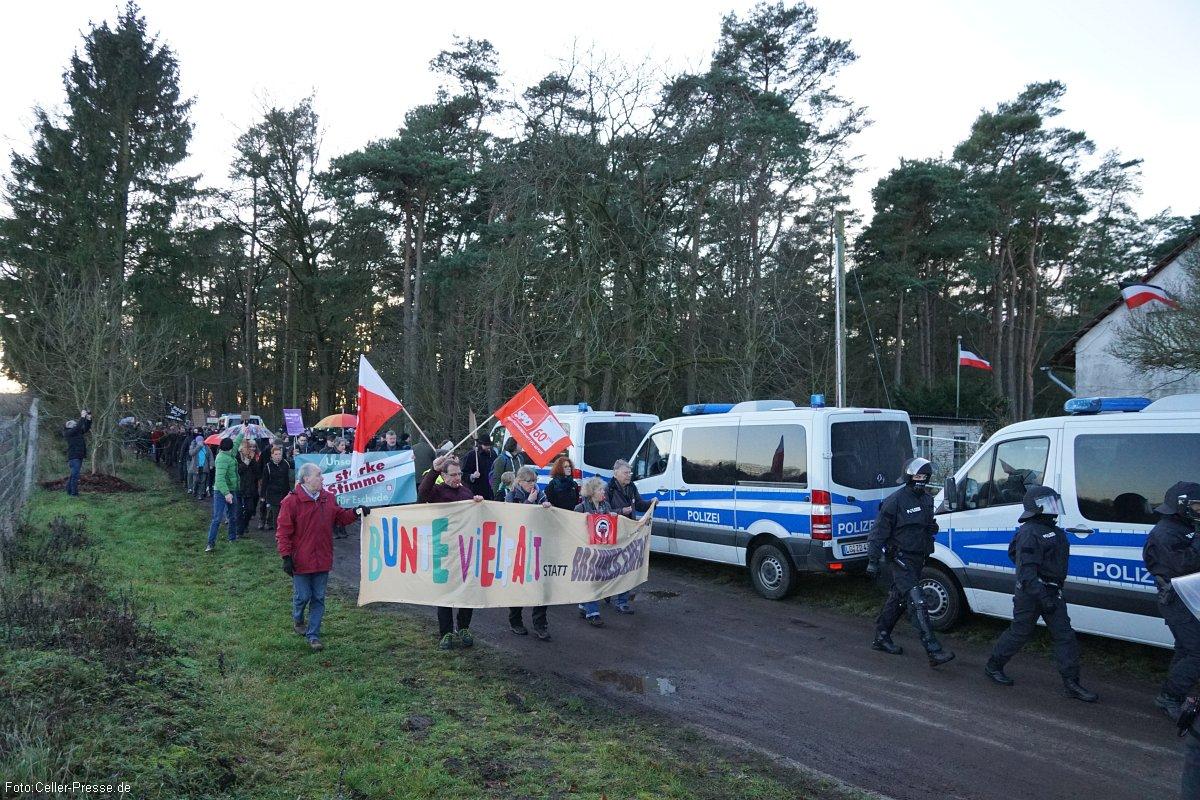 Demonstranten verhindern erfolgreich NPD-Marsch durch Eschede