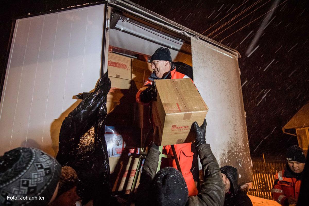 Johanniter-Weihnachtstrucker: Pakete aus Celle in der Ukraine eingetroffen