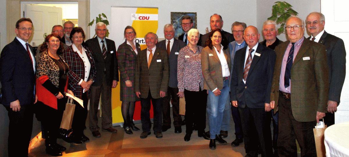 Mitglieder für langjährige Mitgliedschaft in der CDU geehrt