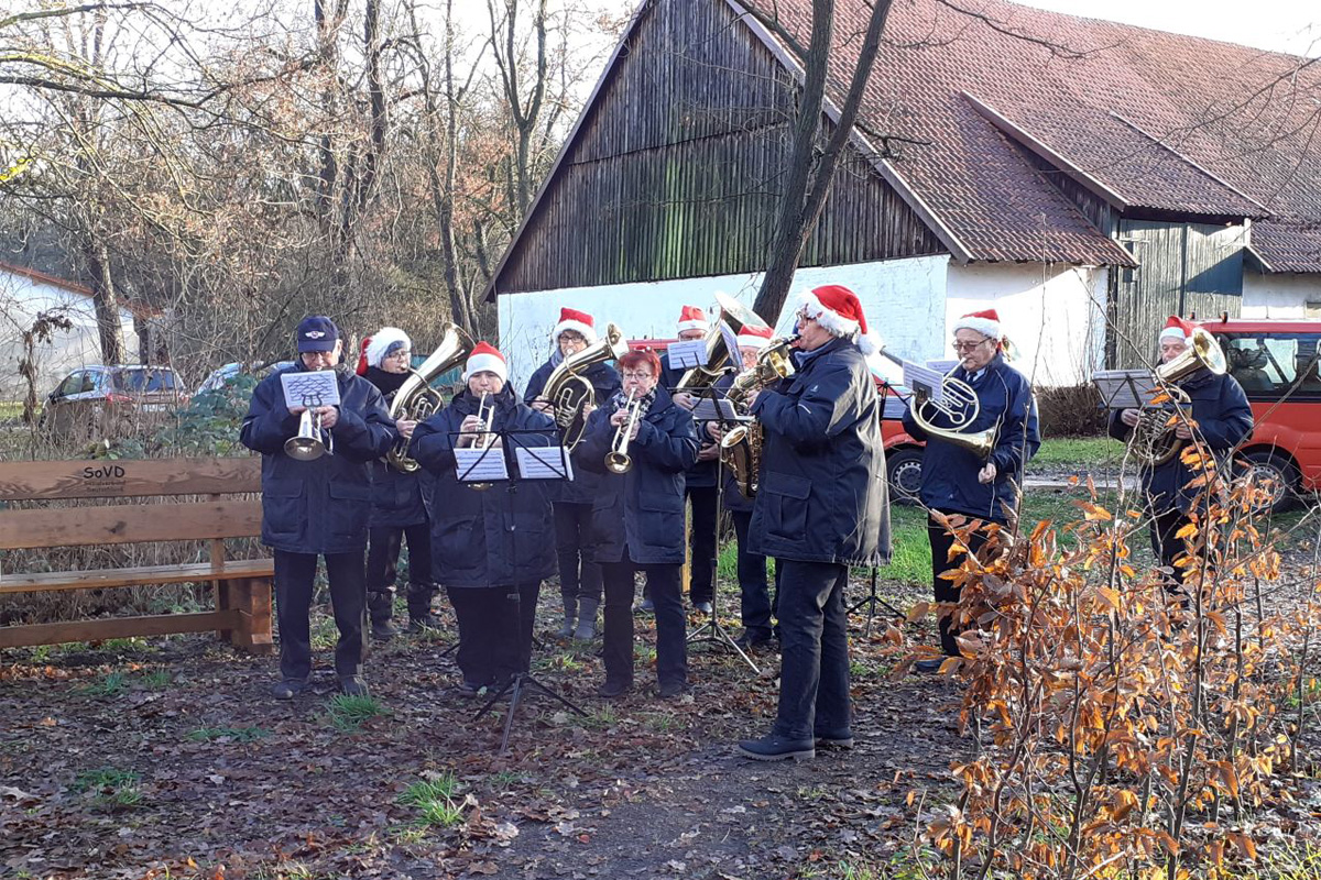 Weihnachtsblasen des Musikzuges der Adelheidsdorfer Ortsfeuerwehr