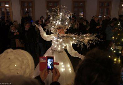 Weihnachtsmarkt: Massenandrang zur Lichtershow