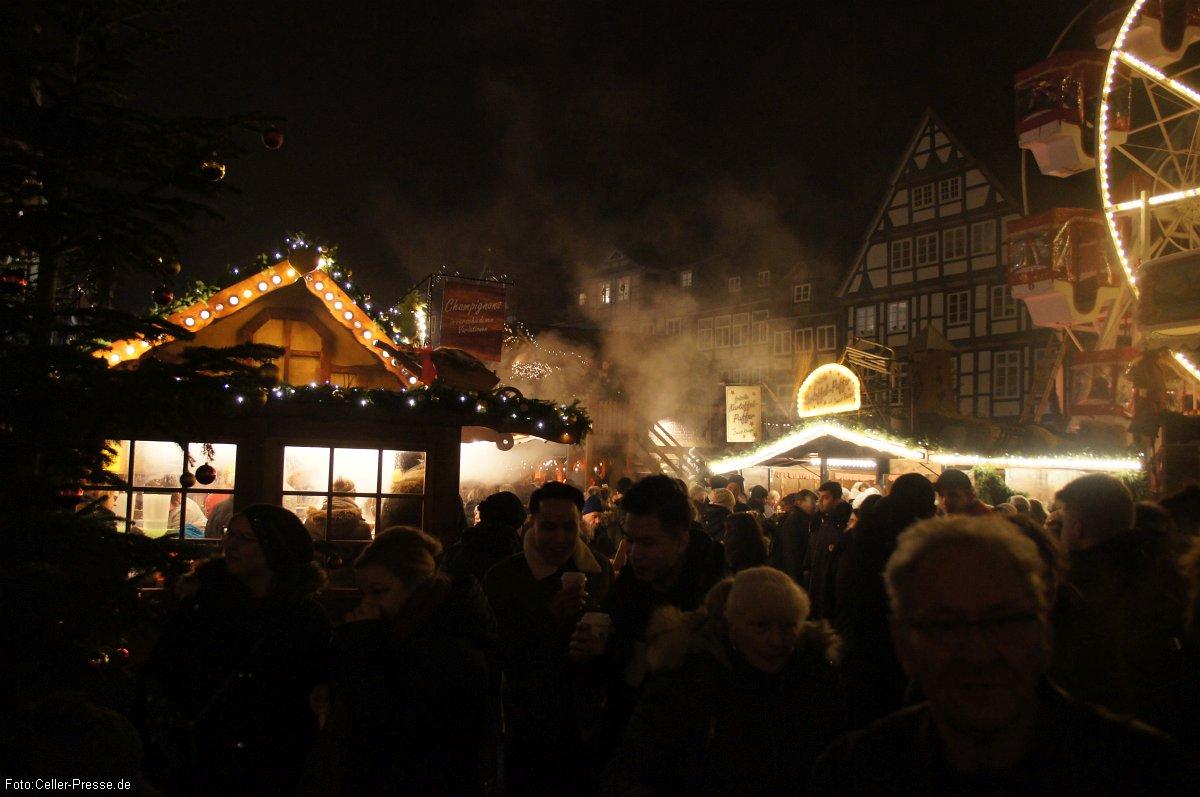Klaus Lohmann zum Weihnachtsmarkt mit Winterzauber am Schloss 2019