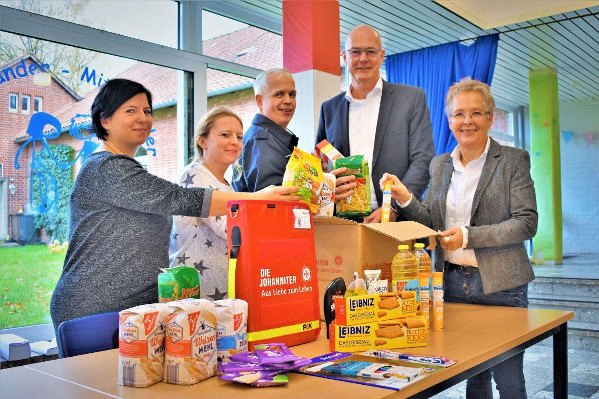 Wenn Pakete Glück bringen – Packen für Bedürftige: Der Johanniter-Weihnachtstrucker startet wieder