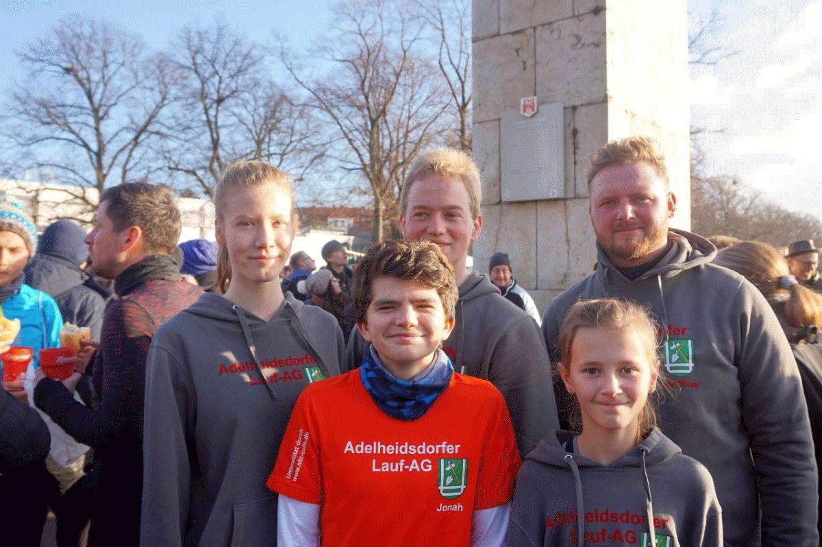 Adelheidsdorfer Lauf-AG läuft zum Schluss um den Maschsee
