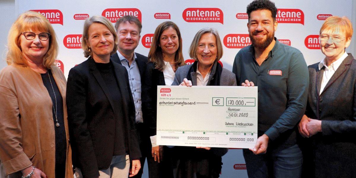 Antenne Niedersachsen sammelt 170.000 Euro für den Verein für krebskranke Kinder Hannover e.V.