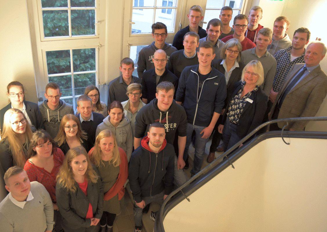 Durchstarten mit Stipendium: Landwirtschaftskammer Niedersachsen unterstützt 32 Absolventen grüner Berufe bei ihrer Weiterbildung