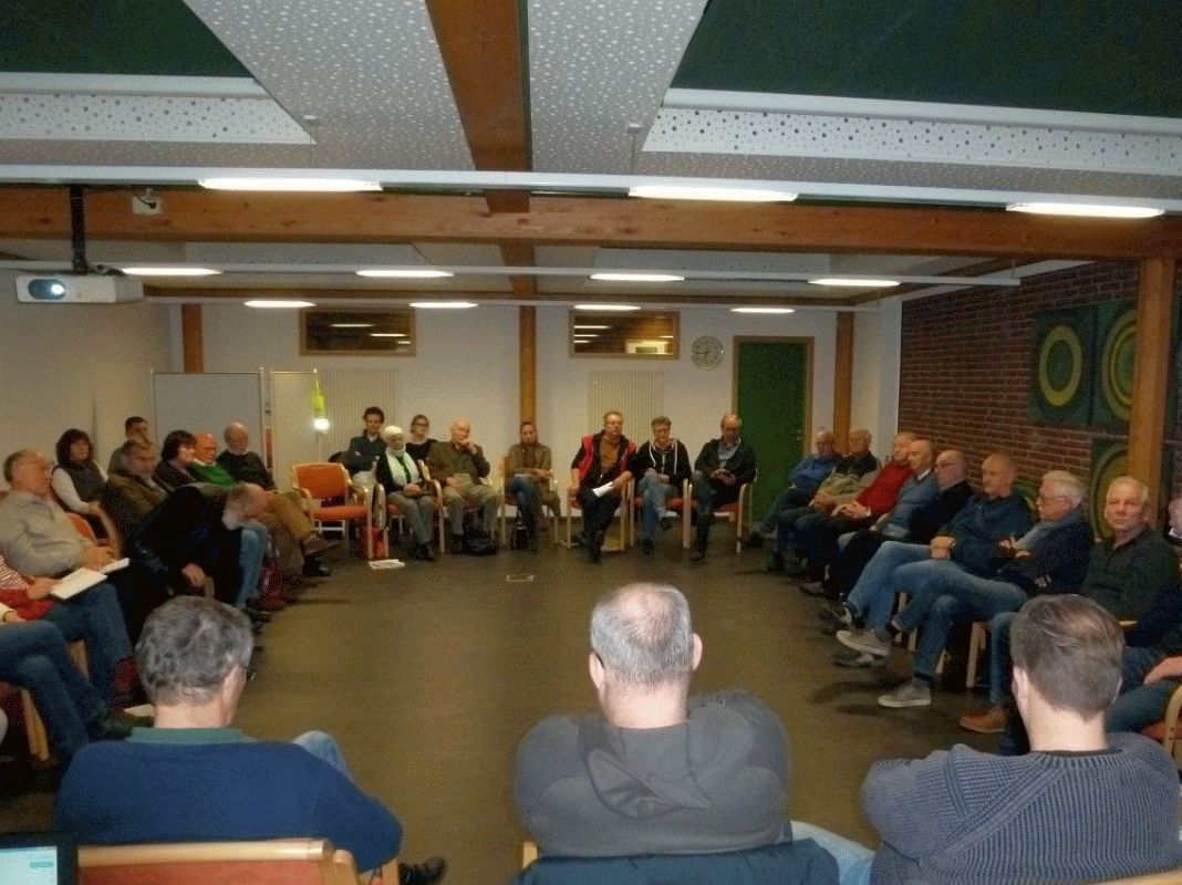 Erstes Treffen der Geschichtswerkstatt Gemeinde Faßberg – Unerwartet große Beteiligung im Rathaus Faßberg