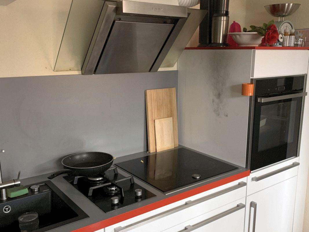 Küchenbrand – Bewohner verhindert Schlimmeres