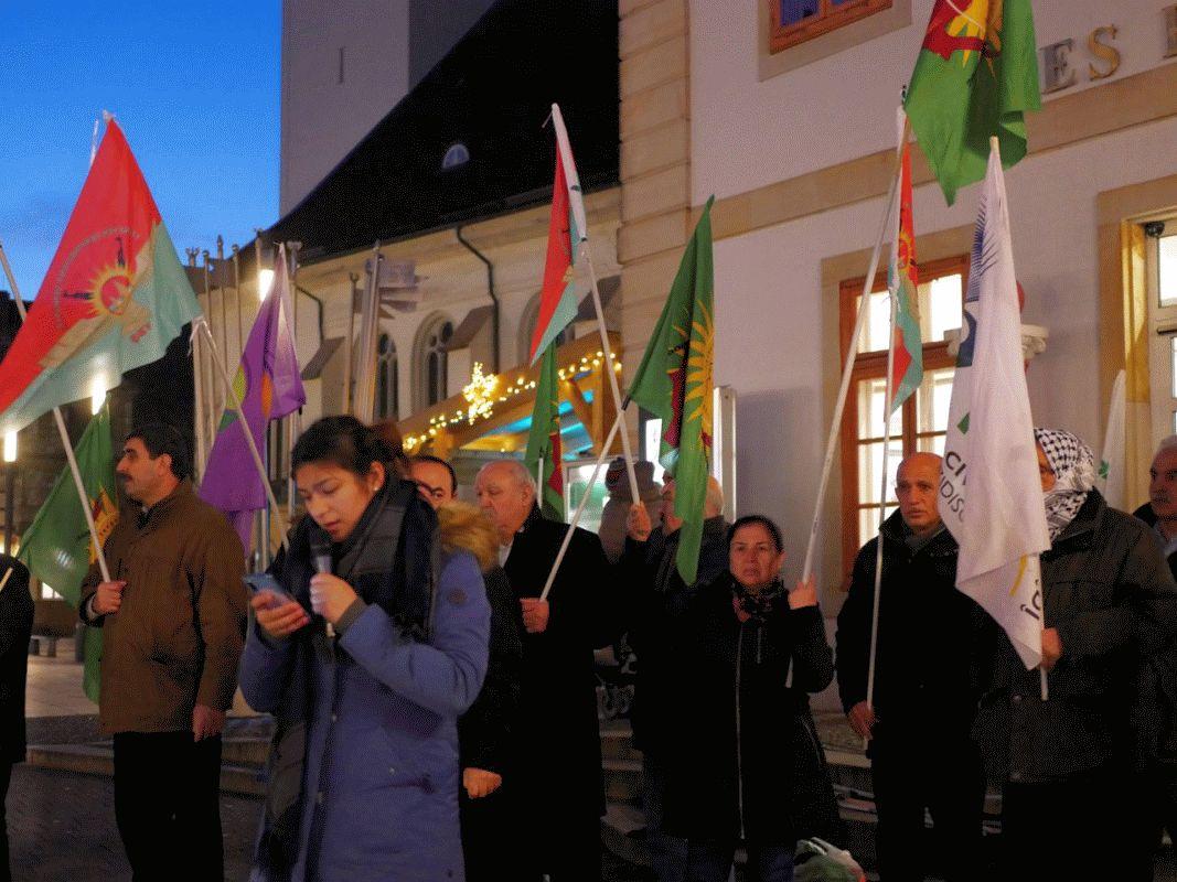 Kundgebung gegen die Angriffe auf Şengal