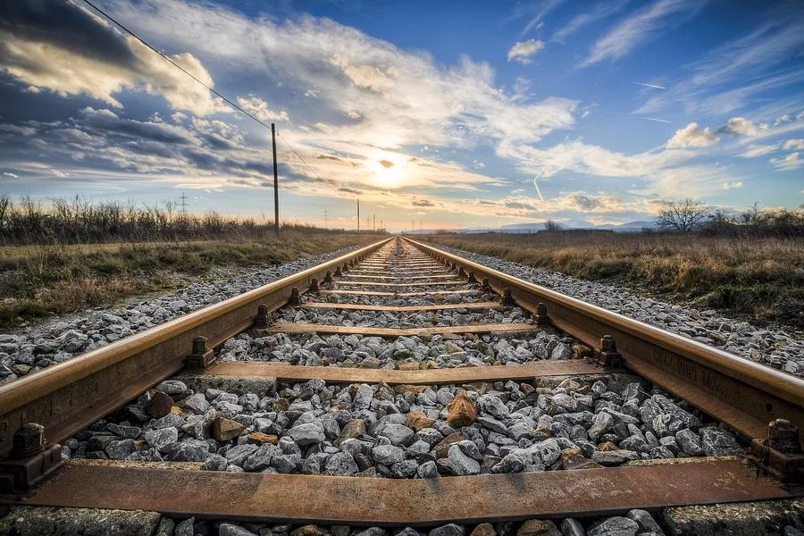 232 Millionen Euro für Lärm- und Erschütterungsschutz für Bahnprojekt Lübeck-Puttgarden Übergesetzlicher Lärmschutz hier ist Vorbild auch für Alpha E