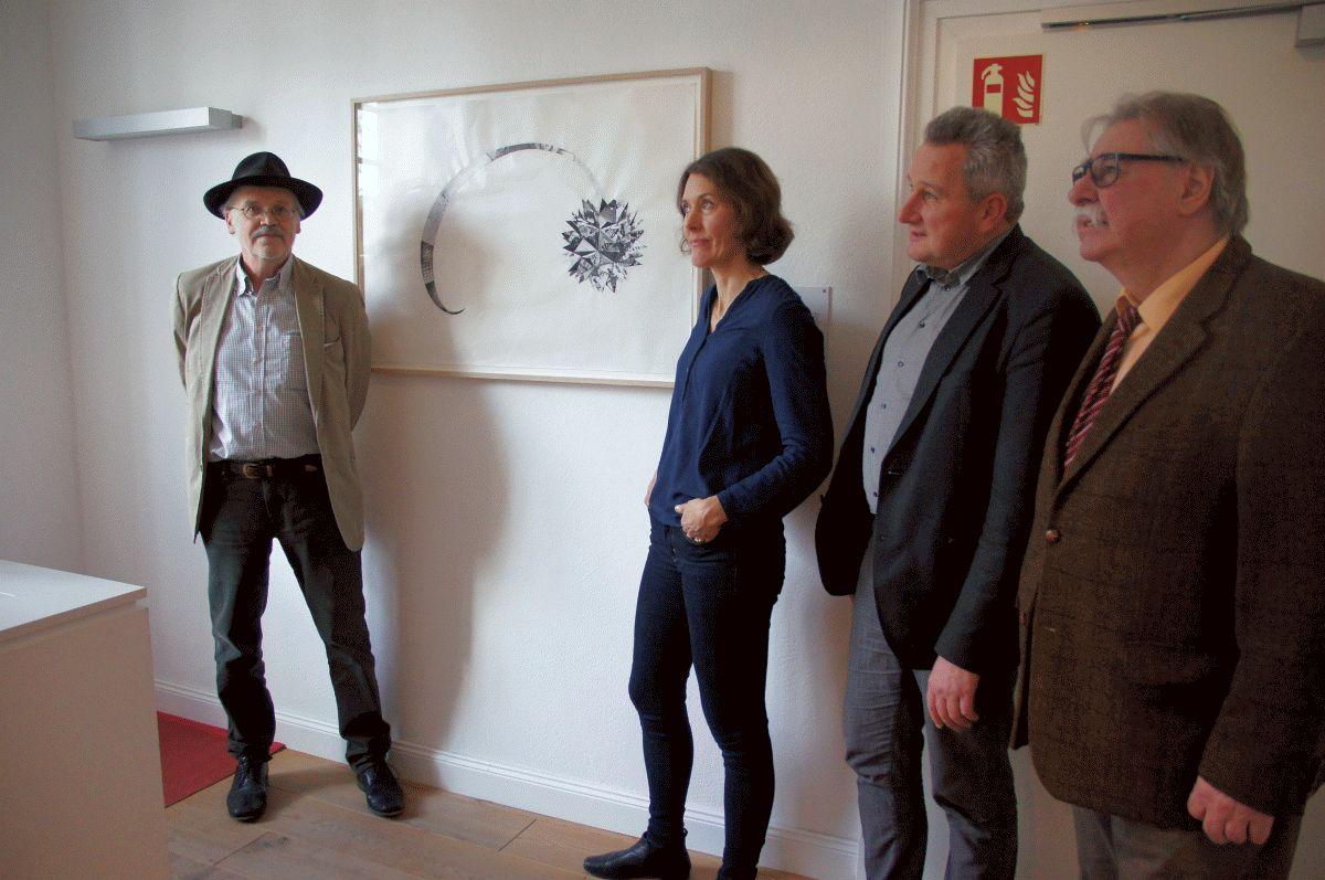 """Erfolgreiche Spurensuche in Celle – tiefgründige Collage """"Komet"""" von Silke Schatz nun im Albrecht-Thaer-Haus als Dauerleihgabe"""