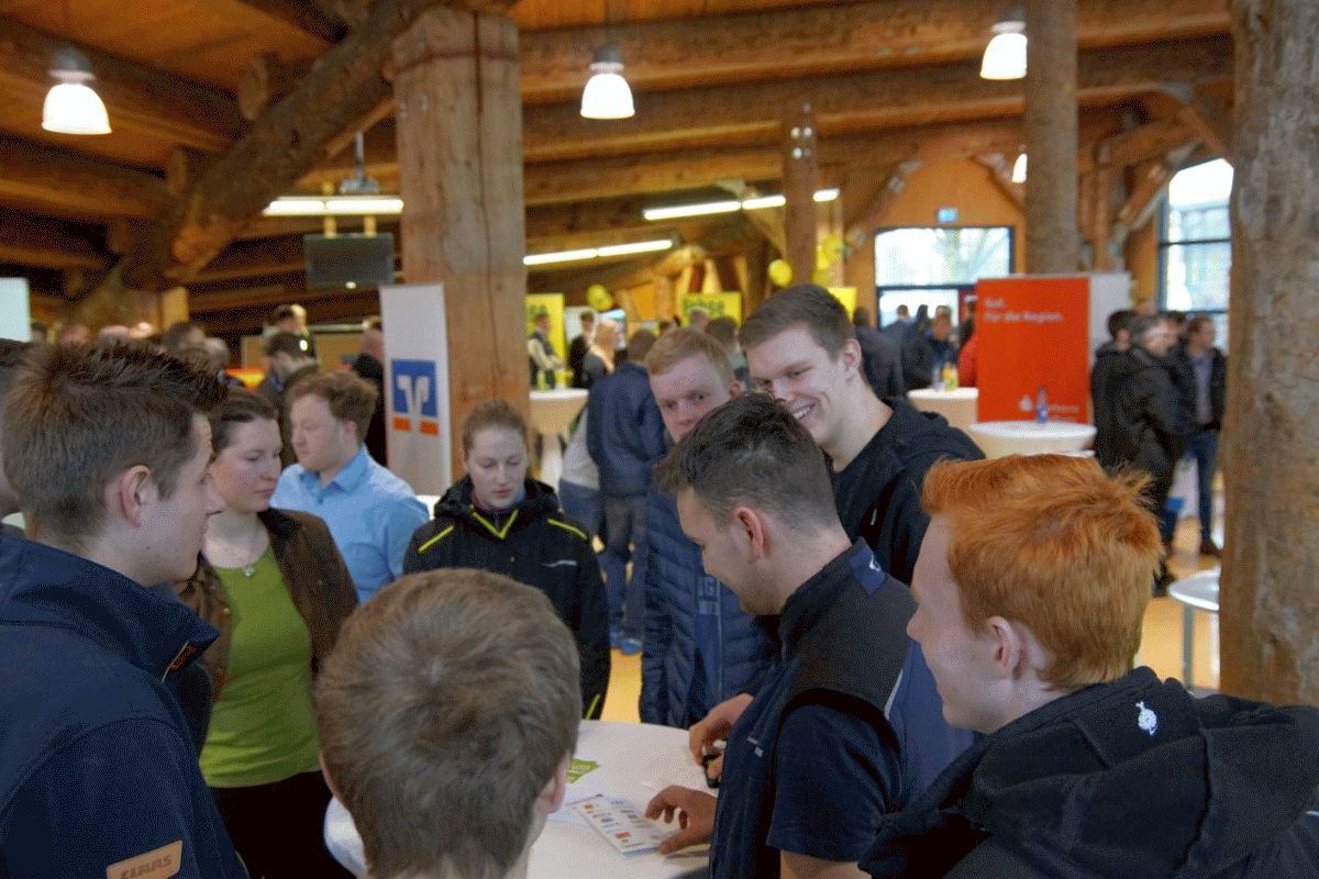 Klöckner spricht bei Niedersachsens Junglandwirten – Otte-Kinast diskutiert beim Junglandwirtetag über Rahmenbedingungen