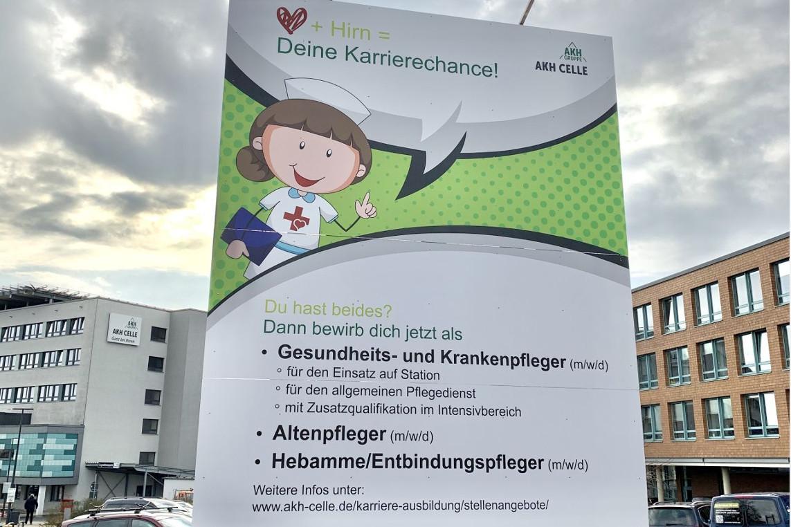 Neues Schild und Internetkampagne: AKH Celle setzt Zeichen zur Personalgewinnung