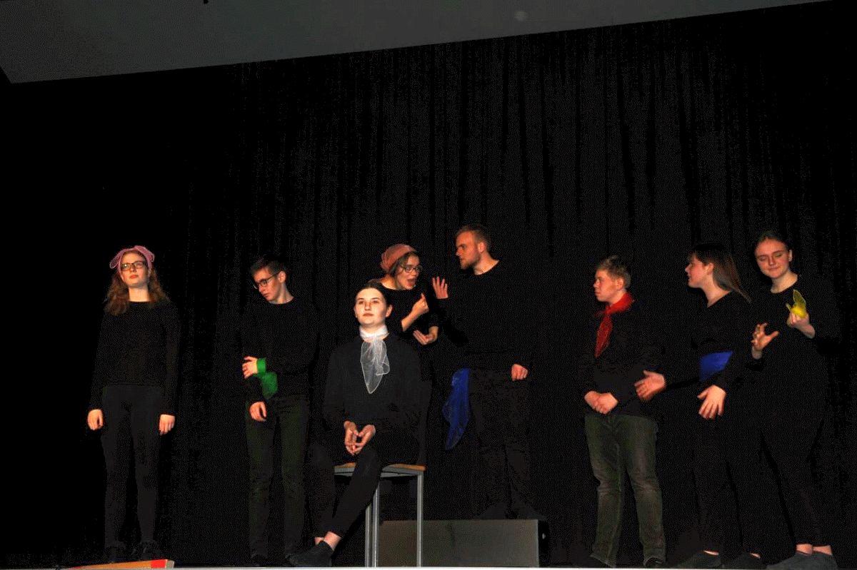 Paläste und Ruinen aus Gedanken – Theateraufführung am Christian-Gymnasium