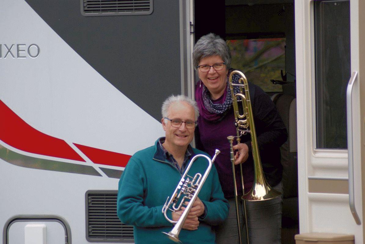 Statt in den Urlaub geht´s auf den Kirchturm – Not macht Musiker erfinderisch