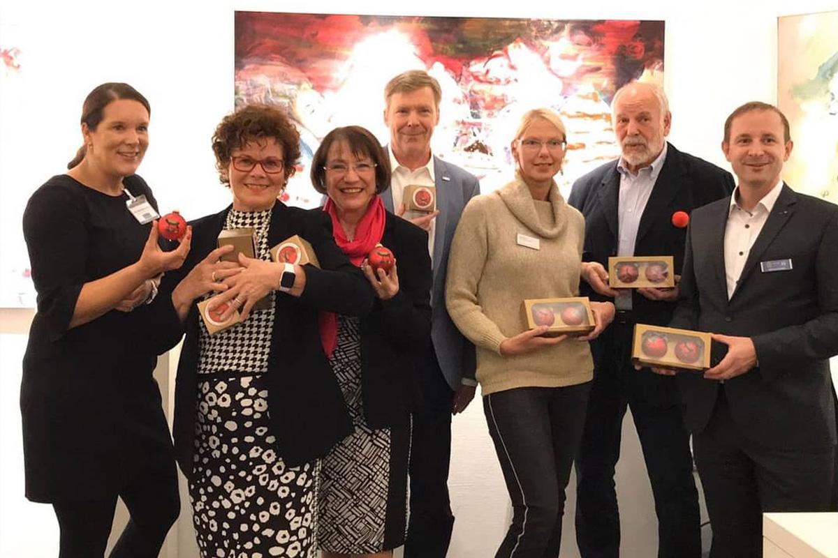 Lions Club Celle Residenzstadt: Weihnachtskugelverkauf bringt 6.000 Euro Erlös Unterstützung für Hilfe in schwierigen Situationen