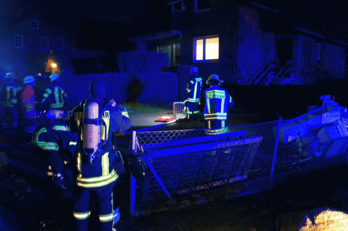 Zimmerbrand ruft Ortsfeuerwehr Bröckel auf den Plan