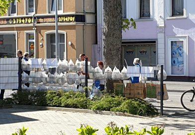 Gabenzaun anstelle Mittagstisch – Malteser reagiert einfallsreich auf Corona
